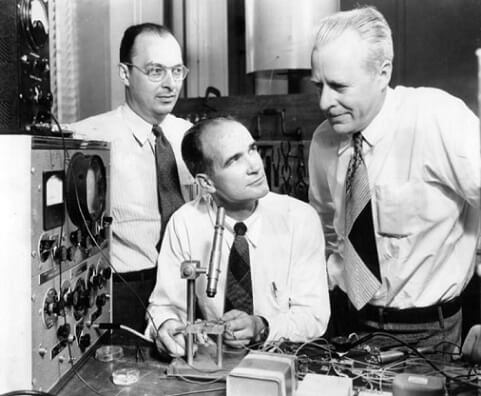 The three individuals credited with the invention of the transistor were John Bardeen, William Shockley, and Walter Brattain.